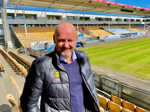 IKKE BEKYMRET: Daglig leder Robert Lauritsen i LSK forteller at klubben ser på flere muligheter for å fylle hovedsponsorplassen på drakta.