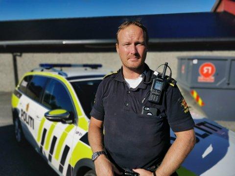 IKKE IMPONERT: Rune Kristiansen Dahl, politioverbetjent UP, stanset en rekke bilførere på Romerike i løpet av torsdagen.
