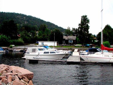 Gjerdal småbåthavn ønsker utvidelse, selv om ikke alle forhold er avklart når det gjelder adkomst.