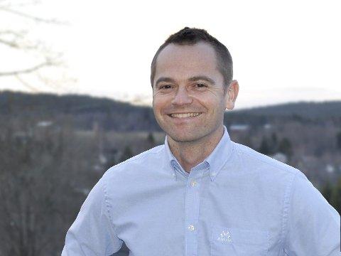 SPØR: Knut Martin Winther vil ha svar fra ordføreren om trafikksikkerheten ved Spikkestad barneskole.