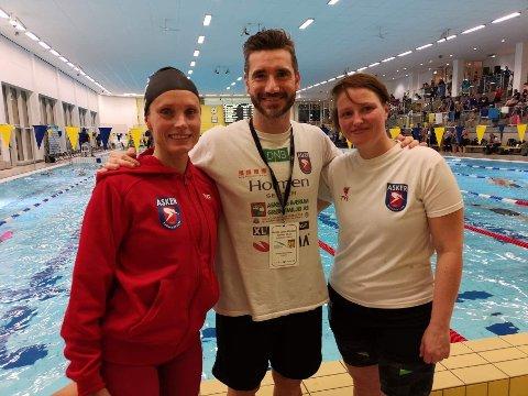 LOKALE: Linn Krogh Hansen, Rodrigo Alves og Linn Løvoll Aker tok tilsammen 11 medaljer i Åpent nordisk mesterskap i svømming for masters i Malmø.