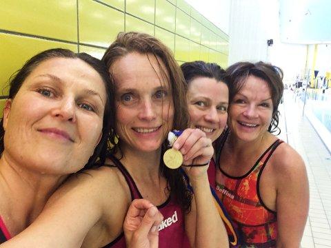 DOBBELT NORDISK GULL:  Stafettlaget tok to gull av to mulige på stafettene 4 x 50 fri og 4 x 50 medley . F.v: Rannveig Burdahl, Linn Krogh Hansen, Ieva Trizna og Tina Mjelde.