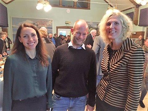 FORNØYD: Fra venstre: Hilde Marie Wold (Smart Innovation Norway), Jørund Buen (Differ, investor og framtidsforsker), Gunnlaug Marie Brandstæg (Smart Hurum/Hurum og Asker kommune).