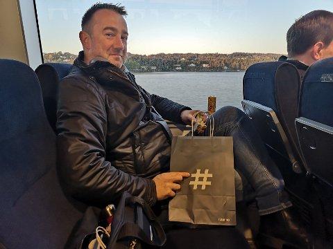 MULIG Å BÅTPENDLE: Martin Leinaas regner med å bruke båten mer framover, nå som det er flere avganger og dermed enklere å rekke jobben i tide etter barnehagelevering.