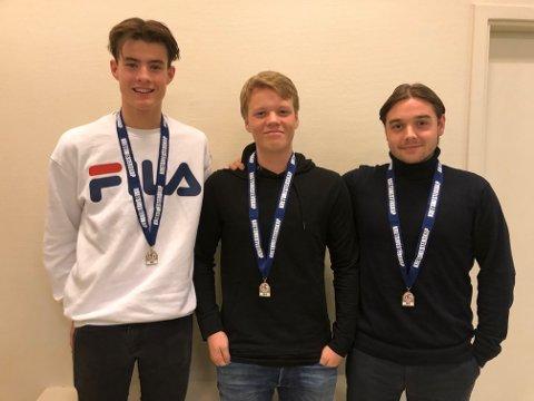 Tre gutter fra Røyken og Hurum er på vinnerlaget til Asker: F. v.: Adrian Stokke fra Tofte, Viktor Jaksland fra Bødalen og Fabian Vazon fra Bødalen.