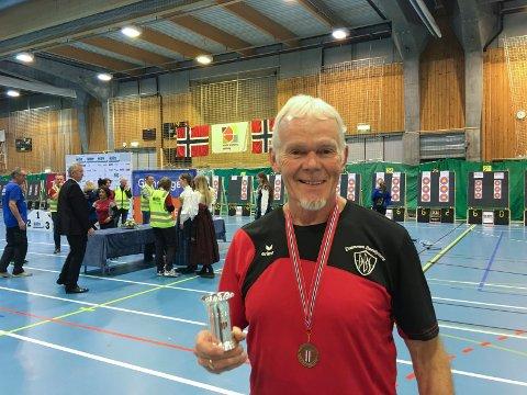 BRONSJEVINNER: Knut Nergaard fra Bødalen sikret seg tredjeplassen i innendørs skive NM i Førde i helgen.