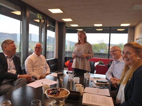 LEDET MØTE: Ordfører Lene Conradi ledet møte mellom partiene fredag.