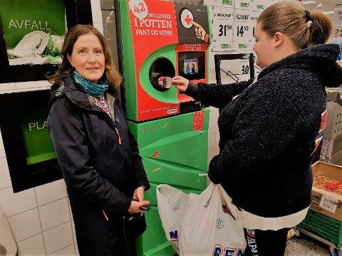 I VERDENSTOPPEN:  Nordmenn er blant de flinkeste i verden til å pante flasker, sier Randi Haavik Varberg.
