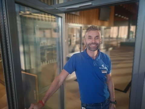 ANSETTER: Erik Schreuder ved Røykenbadet skal ansette ny avdelingsleder ved treningssenteret på Røykenbadet.