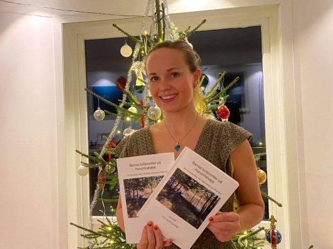 SKREV BOKEN SELV: Kaja Høgås har skrevet turboken hun selv savnet da hun kom til Åros. Hun har allerede fått flere bestillinger via Vipps.