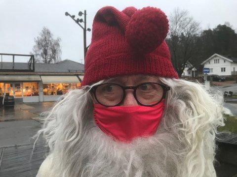 STEMNING: Mulenissen i Slemmestad har skapt god julestemning hver søndag i advent i 10 år. I år ble det imidlertid bare en adventshelg, men Mulenissen håper på bedre tider neste år.