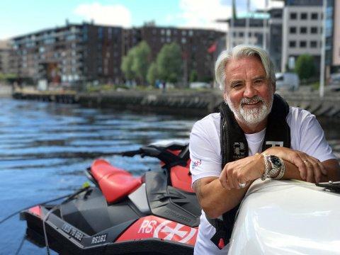 STERK ANMODNING: –Vi ønsker jo at folk bruker sjøen, men akkurat nå må vi prioritere å holde oss friske,  sier kommunikasjonssjef i RS, Frode Pedersen. Han ber båtfolket tenke seg godt om før de drar til sjøs nå.