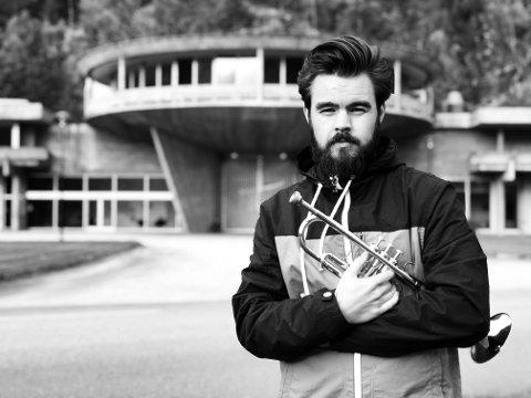 ÅRETS KUNSTNER: Trompetisten Magnus Aannestad Oseth er kåret til årets fylkeskunstner i Buskerud 2020 og spiller på jazzfest Digel  med bandet sitt MAKAN kl. 20.00.