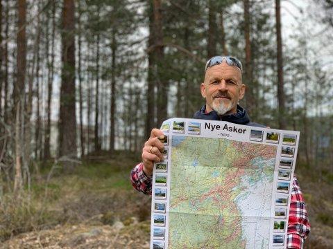 KART: Bjørn Heidenstrøm med det nye turkartet over Asker.