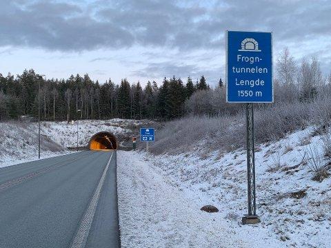 DØDSULYKKE: En kvinne i 50-årene fra Frogn omkom i en møtekollisjon i Frogntunnelen 2. juledag i fjor.