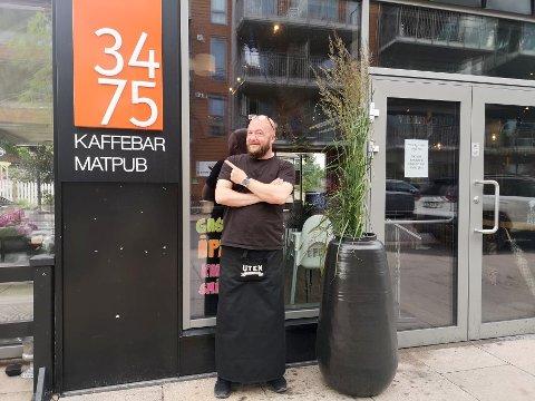 GODT Å FÅ DE TILBAKE: Det betyr mye for Lasse Nordlie, daglig leder ved FYR i Sætre, at det kommer lettelser. - Flere ansatte kan komme tilbake i jobb, og det går mot lysere tider økonomisk, sier han til RHA.