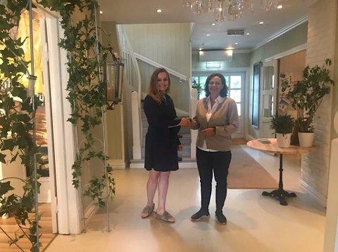 GLIDENDE OVERGANG: Cecilie Husum (t.v) gir stafettpinnen videre til Elizabeth Nordhagen Bøifot 1. august.