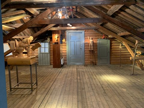 BOKBAD: På Eventyrloftet i Schulerudgården i Holmsbu rigges det til bokbad med bademester lørdag 8. august.