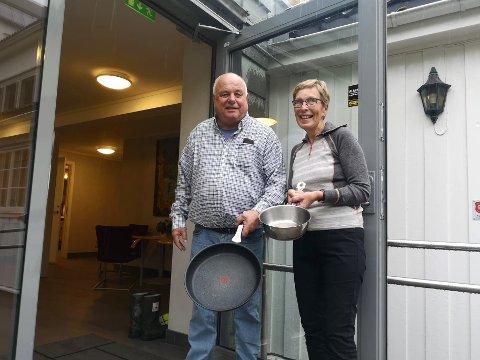 GLEDER SEG: Birger og Gor Marit Auke ser fram til å servere middag i kirkestuen på torsdagene igjen. oppstart er 8.oktober.