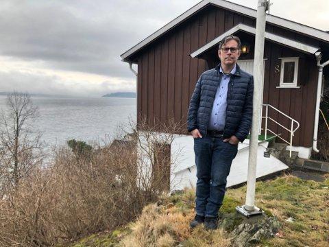 SKUFFET: -  Vi er svært skuffet, sier Jan Arild Dolonen som ville bygge om hytta si på Nærsnes og bo der.