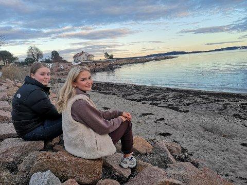 MEDVIRKNING: Marit Folkestad (17) og Nora Eriksen (16) er ungdomsrepresentaner i lokalsamfunnsutvalget.