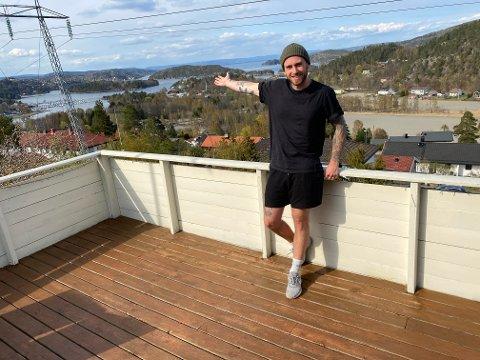 PÅ HJEMMEBANE: Jan-Ketil Solstad har vokst opp i Sætre. Nå vil han skape en arbeidsplass til glede for lokalbefolkningen.