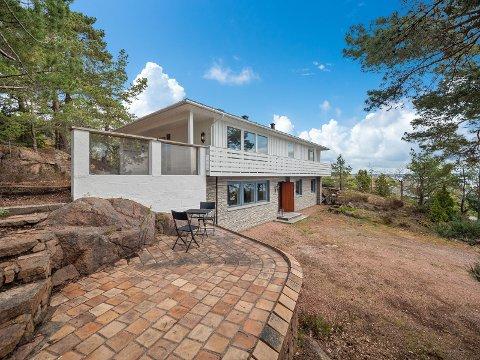 OVER TAKST: En enebolig på Tofte som var taksert til 4,1 millioner kroner, gikk nylig for 6,2 millioner. Hva har skjedd med boligprisene på hurumhalvøya?