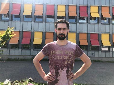 FRUSTRERT: Kontaktlærer Brynjar Kalager Folkvord ved Sætre skole vet ikke om det er lovlig å arrangere skoleavslutning.