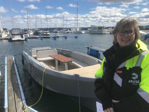 KANDIDAT? For kort tid siden presenterte Hege Kolberg konseptet Kruser båtpool i Vollen. Nå kan du foreslå hvem som skal bli årets elbåtgründer.