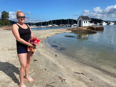 IDYLL: Caroline Monge (30) nyter lange og fine sommerdager i Sætre. For hennes del trenger man ikke dra langt for å sikre feriefølelsen.
