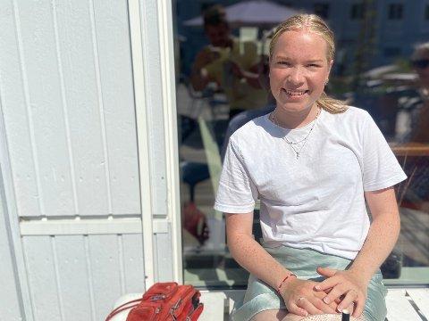 SOMMERKOS: Live Barlindhaug (19) nyter kafélivet på Slemmestad.