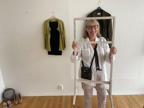 NEI: Men dress-stativet mitt er ikke til salgs, smiler Hov.