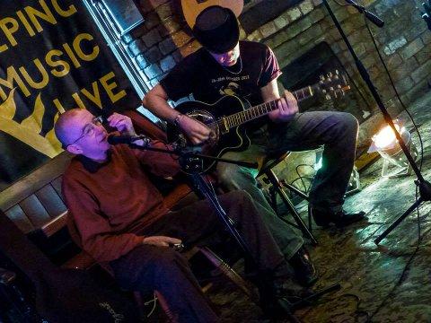 BLUESHØST: Chicago-bluesen har ført kvartetten Chicago Bound sammen, og lørdag åpner de høstsesongen til Røyken bluesklubb i Sekkefabrikken.