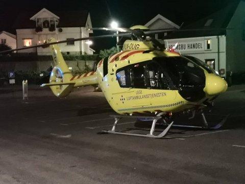 FULL UTTRYKNING: Politi, ambulanse og ambulansehelikopter rykket ut til hendelsen i Holmsbu fredag kveld.
