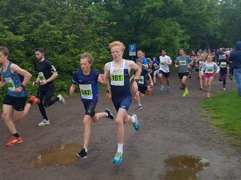 Våt fornøyelse: Andreas Sørsdal (nr 181) løp Skjærgårdsløpet og ble nr 2. Alle foto: Tone Simensen