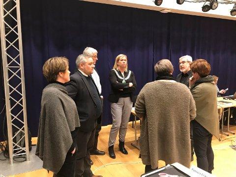Ordfører Elin Weggesrud mener Boluri og SV ikke kan skylde på andre enn seg selv for situasjonen som oppstod.