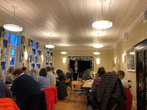 Ønsket velkommen: Wenche Gregersen som er virksomhetsleder i Holmestrand kommune.