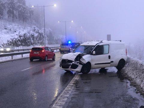 KOLLIDERTE: Én påkjørsel utløste flere på E18 ved Hanekleiva fredag morgen.