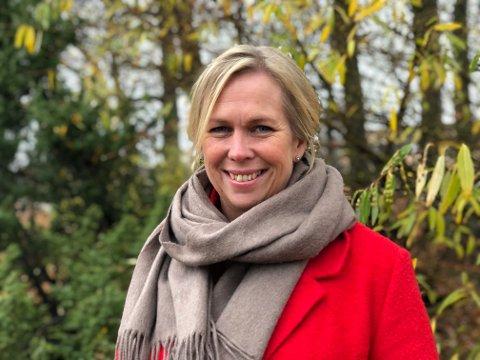 HONNØR: Ordfører Elin Gran Weggesrud takker alle som gjør det de kan for å stoppe smittespredningen, spesielt de som samtidig utfører helsetjenester for kommunen.