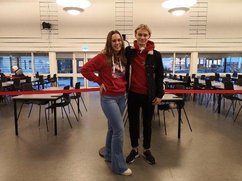 Russepresidentene: Karoline Grelland og Rolf Kareliusson er foruten å være russestyrets ledere, også medelever i samme klasse.
