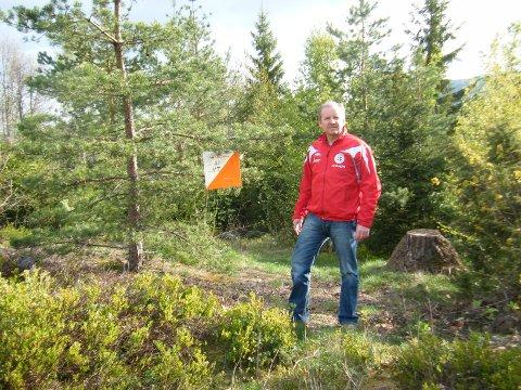 NY SESONG: Jan Arild Rygg i Sande Sportsklubb oppfordrer familier til å benytte seg av orienteringstilbudet i bygda.