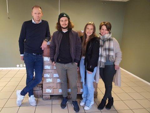 SMAKSLYKKE: Familien Solheim Rustad åpner ny delikatessebutikk i Sande.