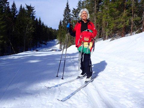 IDYLL: Kate Paulsen fra Sande storkoste seg på Vestskauen på mandag med sin Kvikk-lunsj sekk som selvsagt også hadde en Kvikk-lunsj oppI.