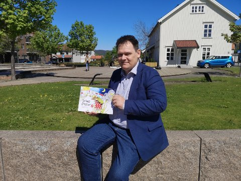 Sandesokningen Bjørn Ivar Bråthen debuterte som barneforfatter i helgen.