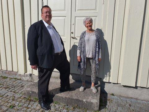 REAGERER: Jan Kristian Hverven og Ellen Stampe vil ikke at Sande gamle prestegård skal brukes til skole på dagtid i ukedagene.