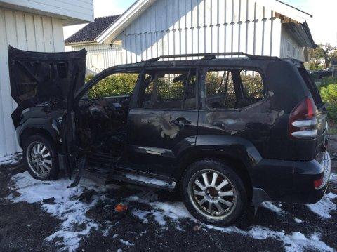 UTBRENT: Slik ser bilen ut etter at brannen er slukket.