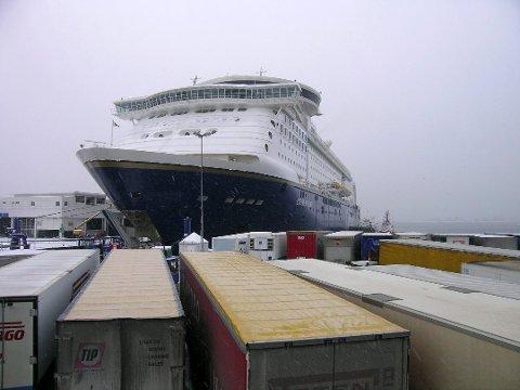 NYTT REGISTER: MS Color Fantasy, som går på ruta Oslo-Kiel, kan bli registrert i Norsk Internasjonalt Skipsregister (NIS).