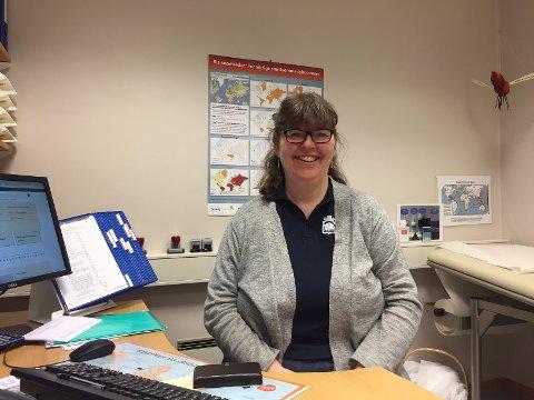 OPPFORDRING: Helsesøster Anne Mette Klepaker oppfordrer alle jenter til å ta HPV-vaksinen.
