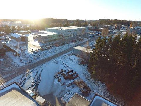 STOR: Eiendommen på Nordre Kullerød er på nesten 28 mål. Bygningsmassen er på 3.500 kvadratmeter.