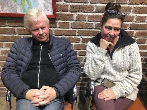 PÅ TILHØRERBENKEN: Rolf Skallist og Nancy Gustavsen konstaterte at planutvalget også denne gang støttet prosjektet deres i Storøyaveien 50.